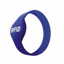 OEM rfid silicon wrist bands custom silicon wristband key fob