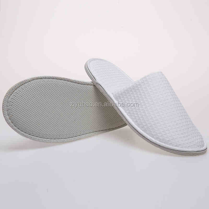 Promotional cheap white disposable hotel travel slippers for men and women