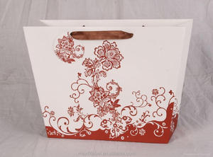 China factory high quality fancy paper gift bag wedding door gift paper bag