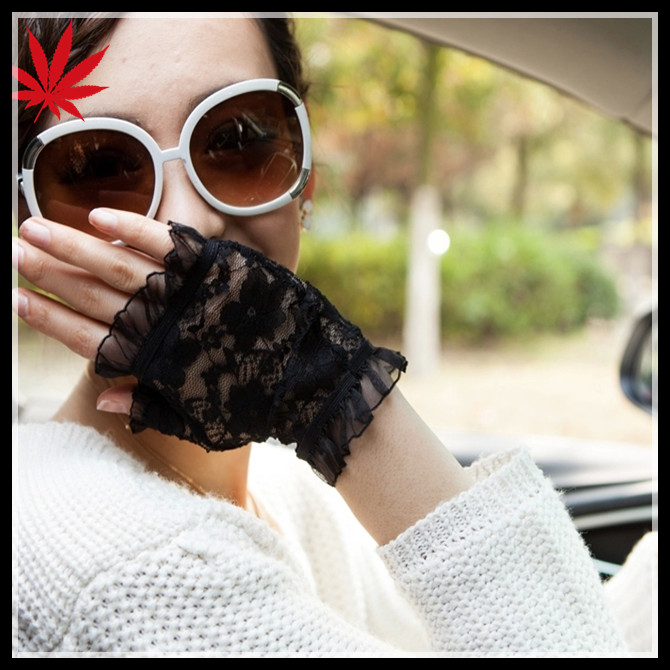 Fingerless cheap lace gloves for women to protect your hands from sun