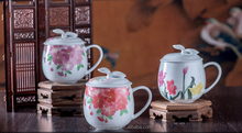 latest oriental fashinable and cute underglaze handpaitng apple shaped ceramic mug