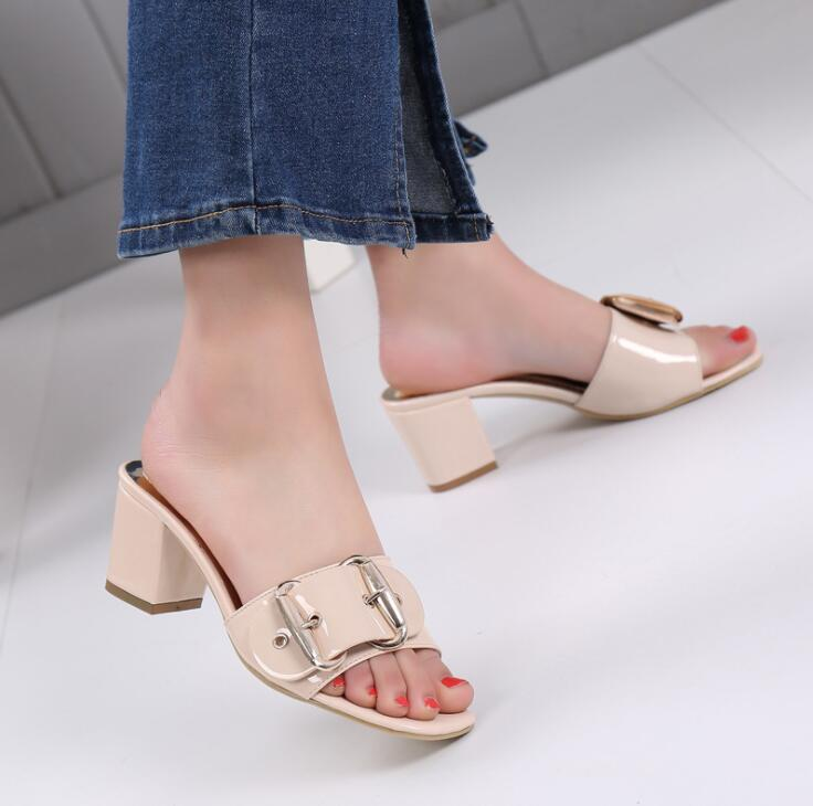 SW2561 latest European style sexy women chunky <strong>heel</strong> buckled leather slippers