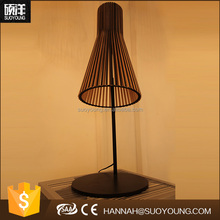 High quality Chinese vintage fancy Wooden desk table lamp design for home decor
