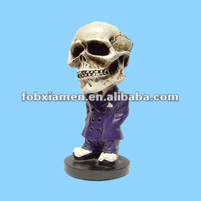 2012 resin halloween skull bobble head