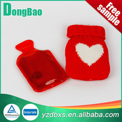 Customized knitted Sale Cheap White Hearts Red Knitted knitted Water Bottle Cover