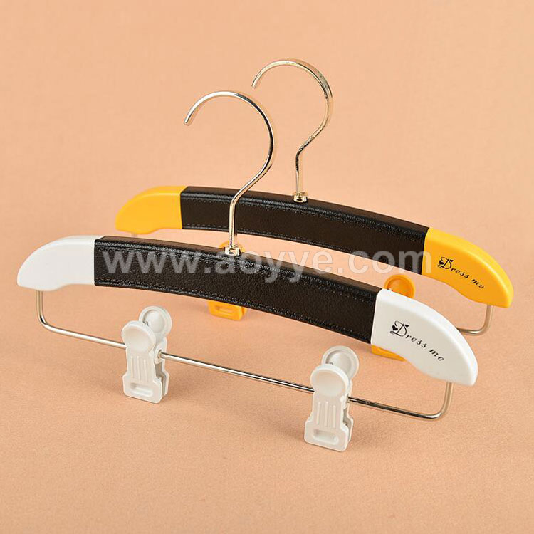 Wholesale promotional top sale factory supply fashion child PU plastic skirt clothes shop pant hanger with clips