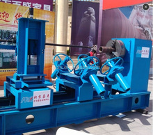 Automatic overlaying welding equipment for small-diameter straight pipe