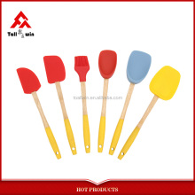 Hot sale wood handle kitchen utensils colorful silicon accessory