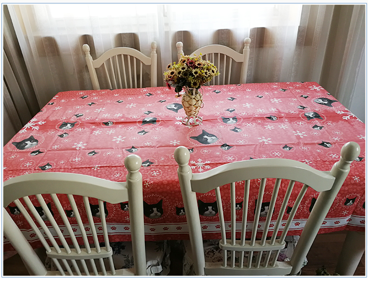 European Custom Disposable Paper Red Tablecloth For Wedding Party