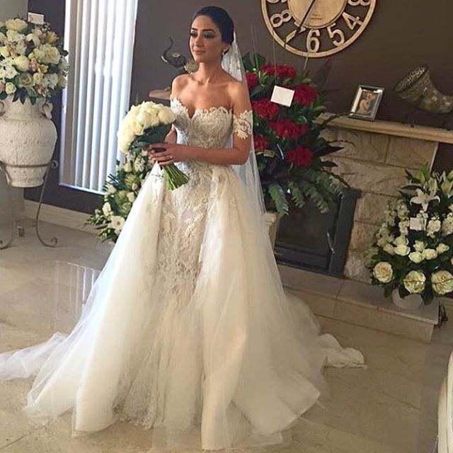 AWD-10 Hand-beaded Embroidered Lace Appliqued Bridal Gown Low Back Ivory Off the Shoulder Detachable Skirt Mermaid Wedding Dress
