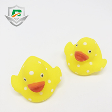 2018 new arrived China factory wholesale cheap classic bath toy shower plastic yellow duck for baby