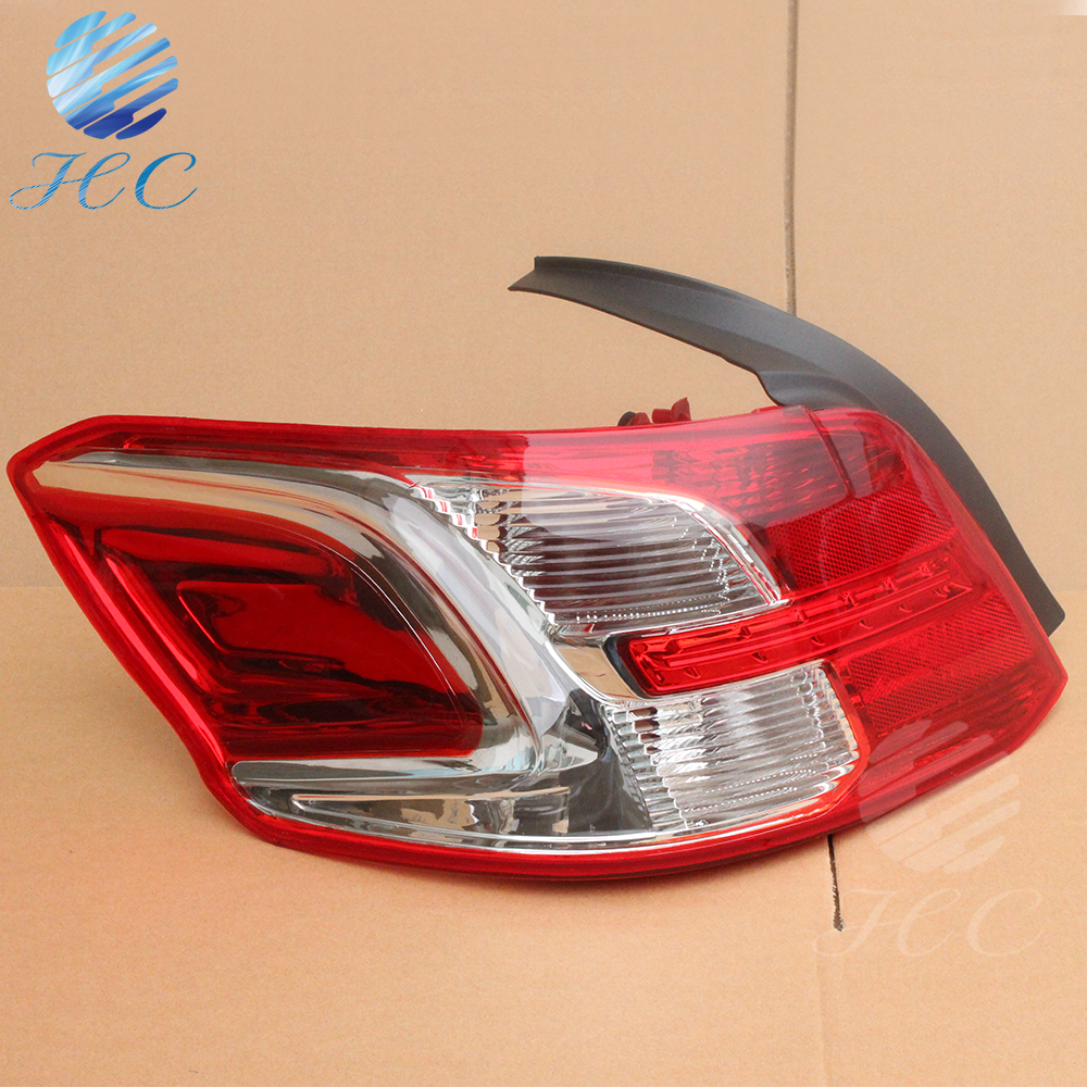 peugeot 301 tail lamp with halogen bulb 12V M33 style