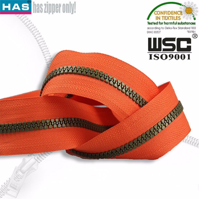 Promotion coil plastic zipper accessory for garment