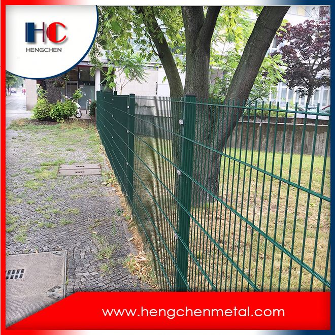 Cheap Galvanized Cyclone Curve Wire Mesh Fence Panels