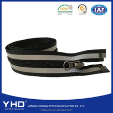 No.3 nylon reflective tape zipper for sweaters/apparel