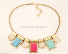 acrylic beaded statement bib cheap collar jewelry necklace in UK