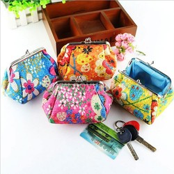 Embroidered cloth art creative coin bag in hand, key card bags wholesale