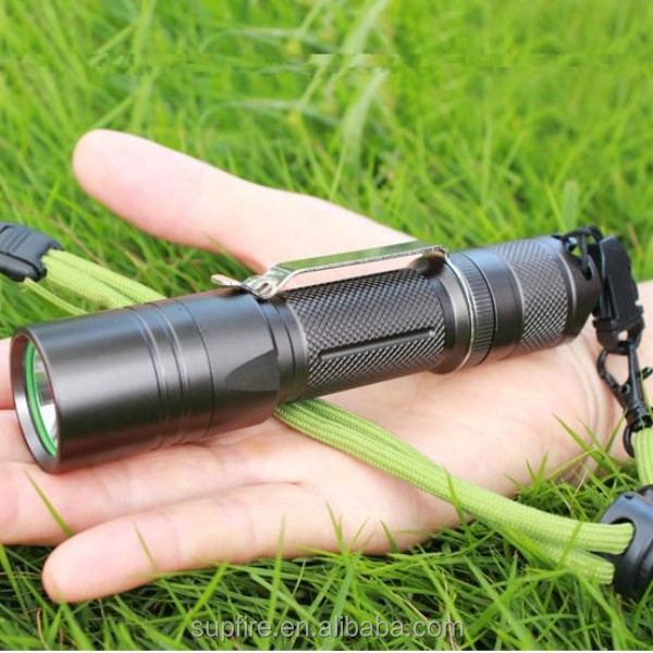 SupFire mini 900 lumen using camping flashlight