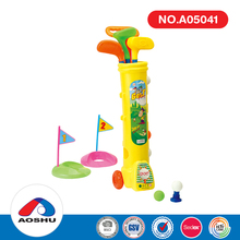 Chenghai toys popular kids play set mini 3 clubs plastic golf club with 5 balls