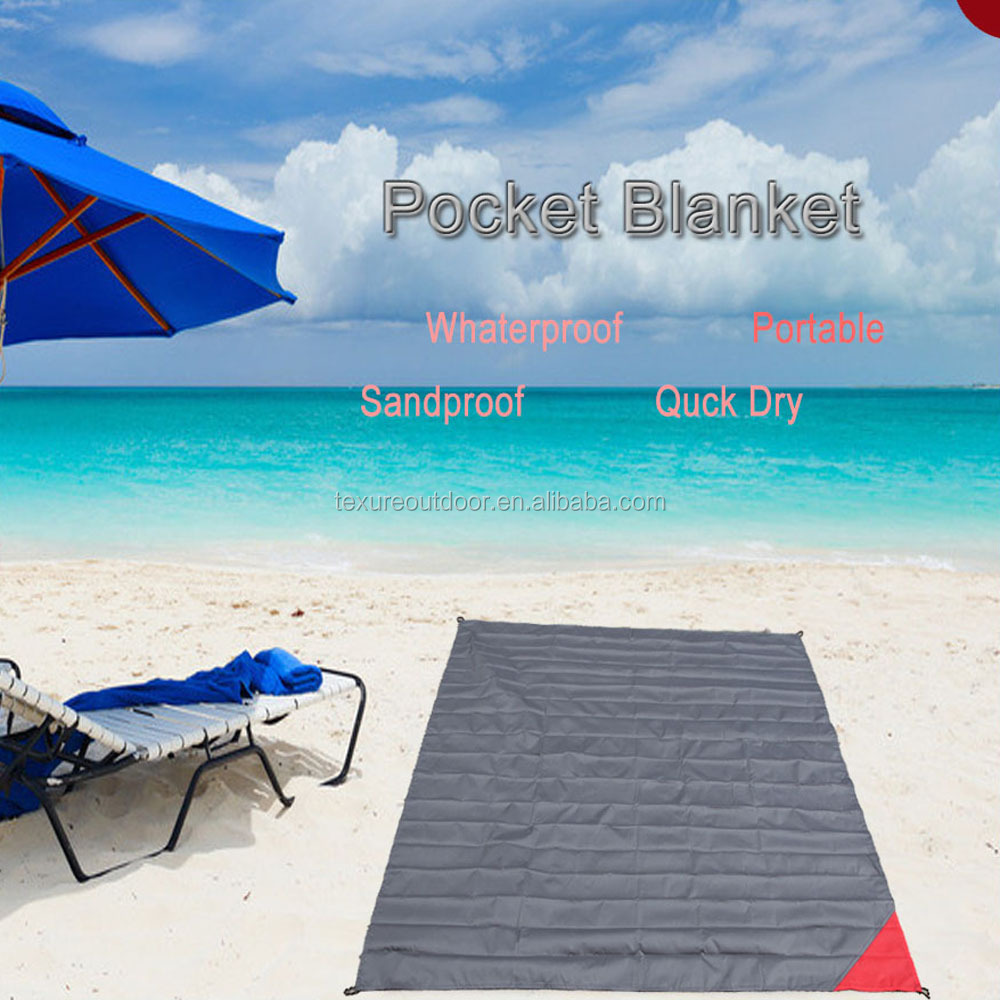 Wholesale Light Waterproof Mini Outdoor Pocket Blanket Sandproof Beach Mat Multipurpose Picnic Blanket