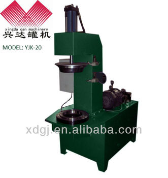 Pre-curling and flanging machine for metal barrel