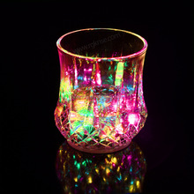 Plastic 200ml led flashing cups Bar use manufactory lighting LED cup