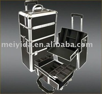 Aluminum cosmetic case with trolley wheels