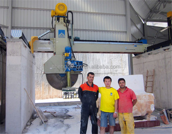 Block cutter with horizontal blade for marble