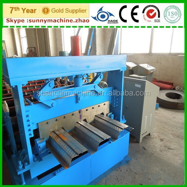 Metal Deck Roll Forming Machine manufacturers & exporter
