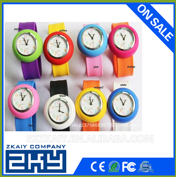 2015 wholesale Manufacturers price led vogue fashion silicone kid's gift sport clap wrist watch