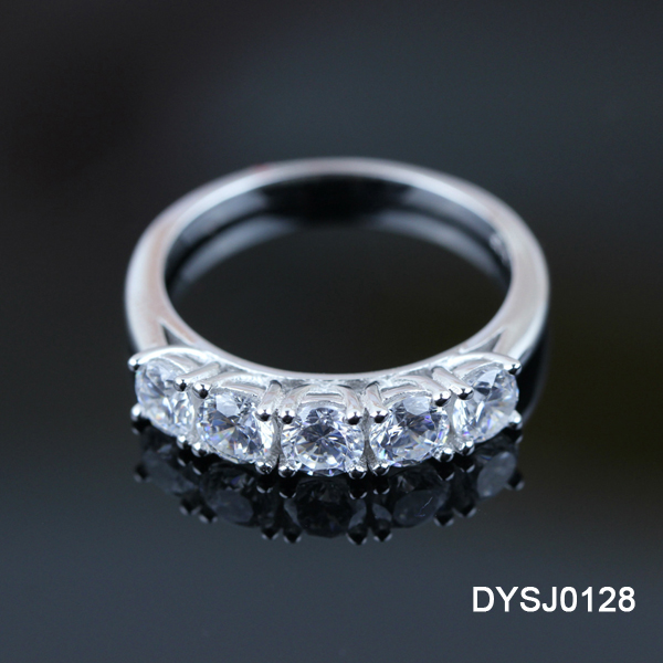 Duoying New Brand Rhodium Plating Sparkling Cubic Zirconia 925 Sterling Silver Affordable Engagement Ring Price