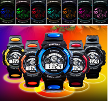 hot selling 7 colors light mut-function silicone kids watch led digital sport watch