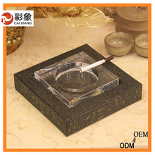 2015 Newly Design Crystal Glass Beautiful Leather Promotional Ashtray