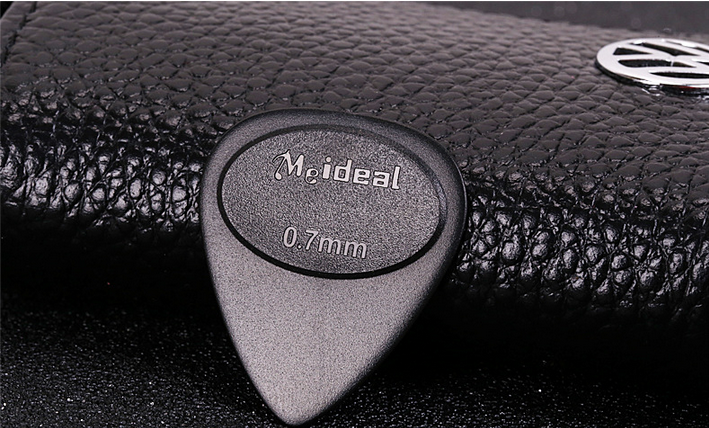 Colors and Various Thickness Antiskid Personalized Guitar Pick