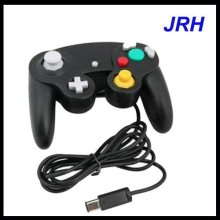 Gamecube controller for Nintendo wii ( one button ,three buttons )