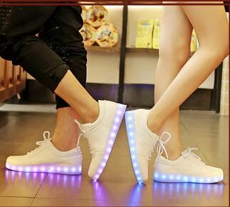 Factory Price Hot Selling Style Colorful Running Sport Shoes Women And Man LED Light Shoes Adult LED Light Up Shoe