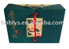 Upmarket Wine Paper Gift Box With Handle