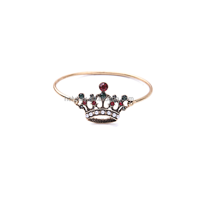 White Fresh Water Pearl Green Red Glass Imperial Crown Gold Bangle for Women