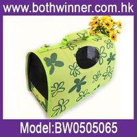 Portable pet carrier ,h0twh new arrival dog carrier , handle pet puppy carrier