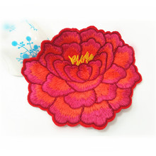 Embroidery patch China flower type custom 3D embroidery applique