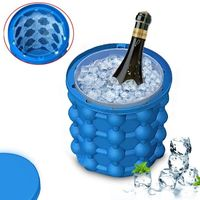 Party Drink Beer Revolutionary Space Saving Silicone Ice Cube Maker Bucket