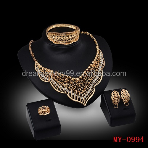 2016 new European exaggerated accessories four sets of Diamond Necklace Earrings Jewelry Set
