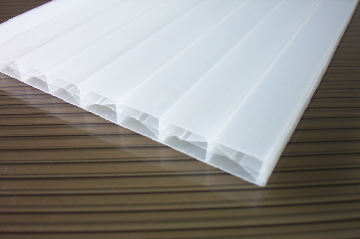 ISO9001:2008 UV-Protection PC Sun Sheet/Polycarbonate Solar Panel/PC Hollow Sheet