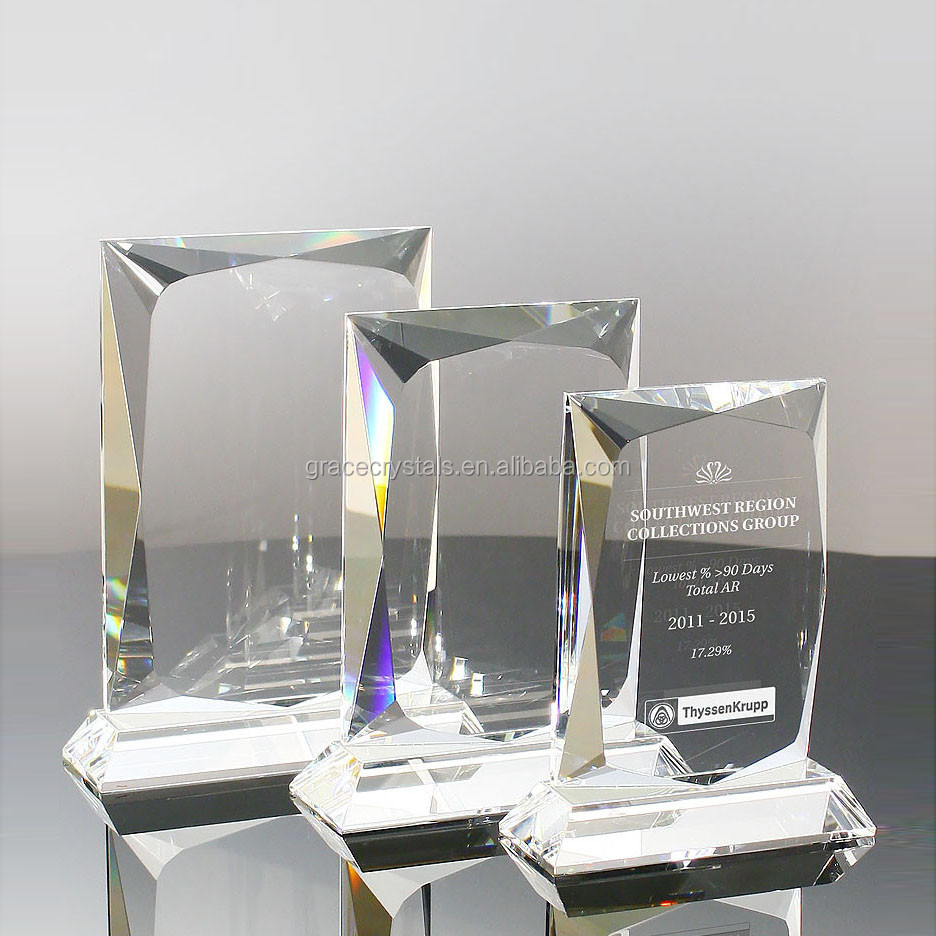 Optical crystal memento for corporate gifts