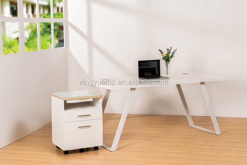 Modern white office desks trend for Modern white office