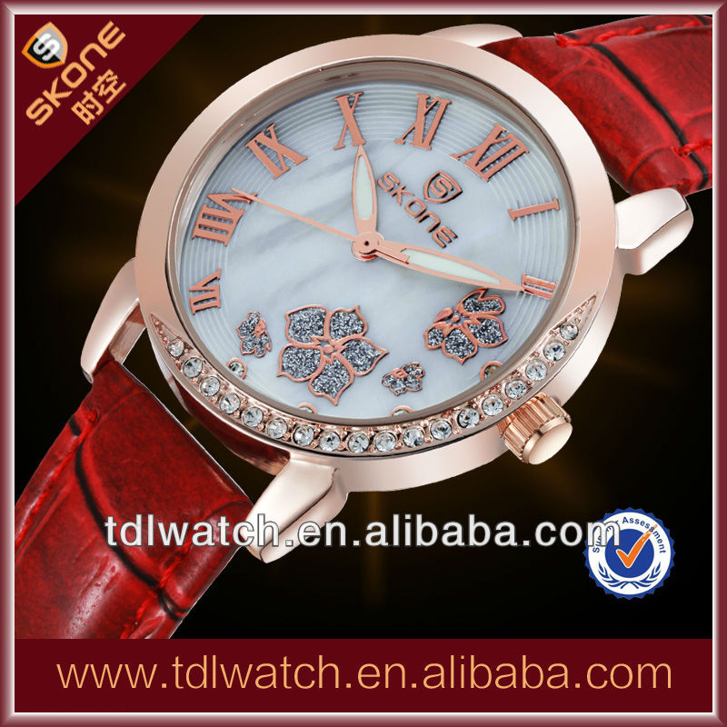 2013 New Product Ladies Leather Wrist Watches With Flower Dial & Diamond
