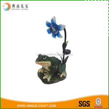 wholesale lighted polyresin frog for garden decoration