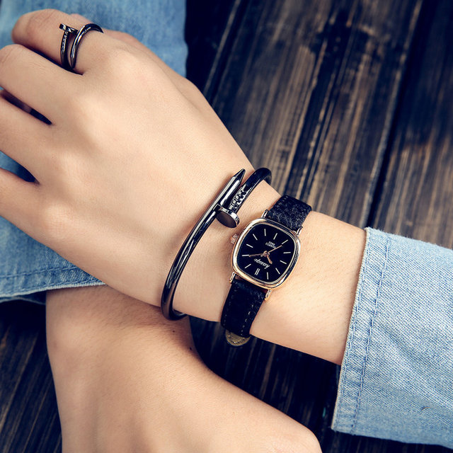 South Korea fashion watch Korean students retro minimalist Sen belt round small small fresh temperament Watch