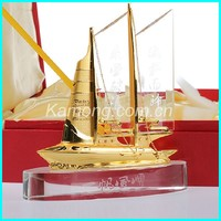 Optical glass classics Crystal ship model with metal cover, crystal gift