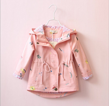 2017 autumn girls han edition embroidery trench coat Draw string hooded children jackets